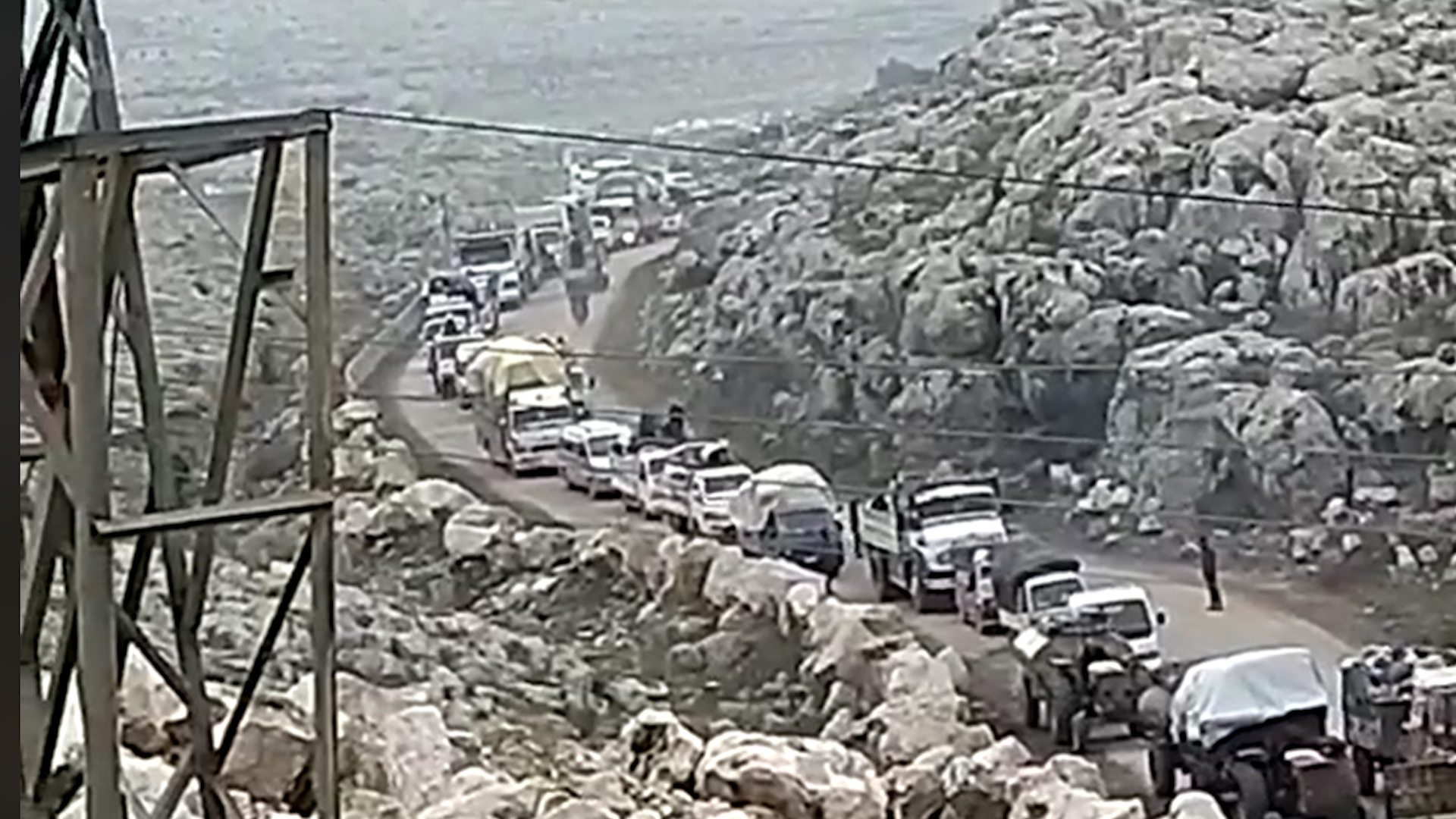 Photo of Dewleta Tirk malbatên çeteyên Idlibê li Efrînê bi cih dike