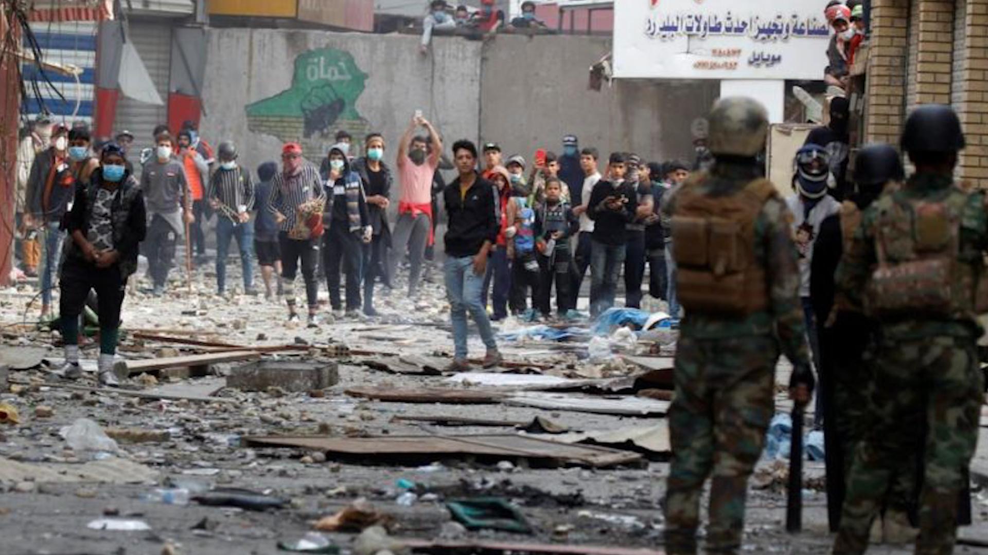 Photo of Li Iraqê di xwepêşandana li parêzgeha wasitê de 60 kes birîndar bûn
