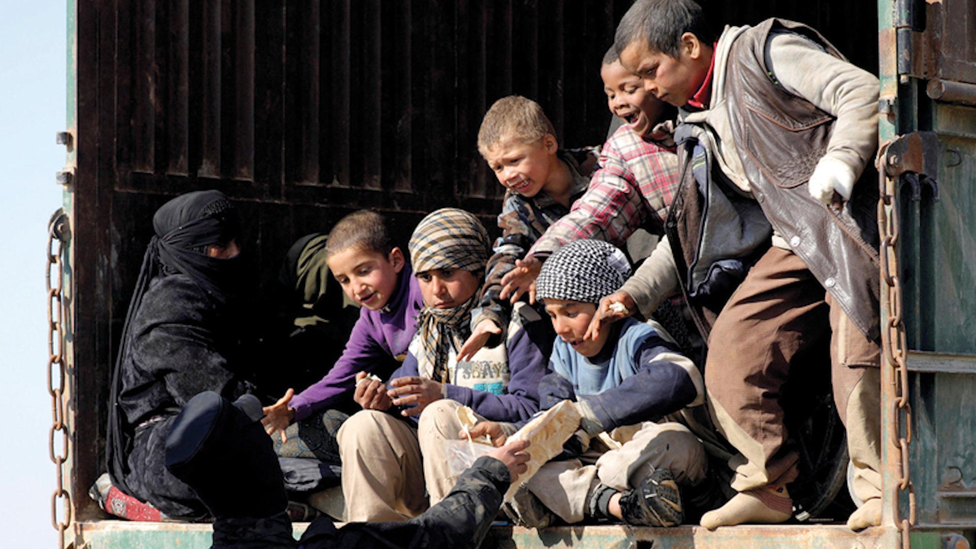 Photo of Lêpirsînerên NY, banga wergirtina zarokên Daiş'î kir