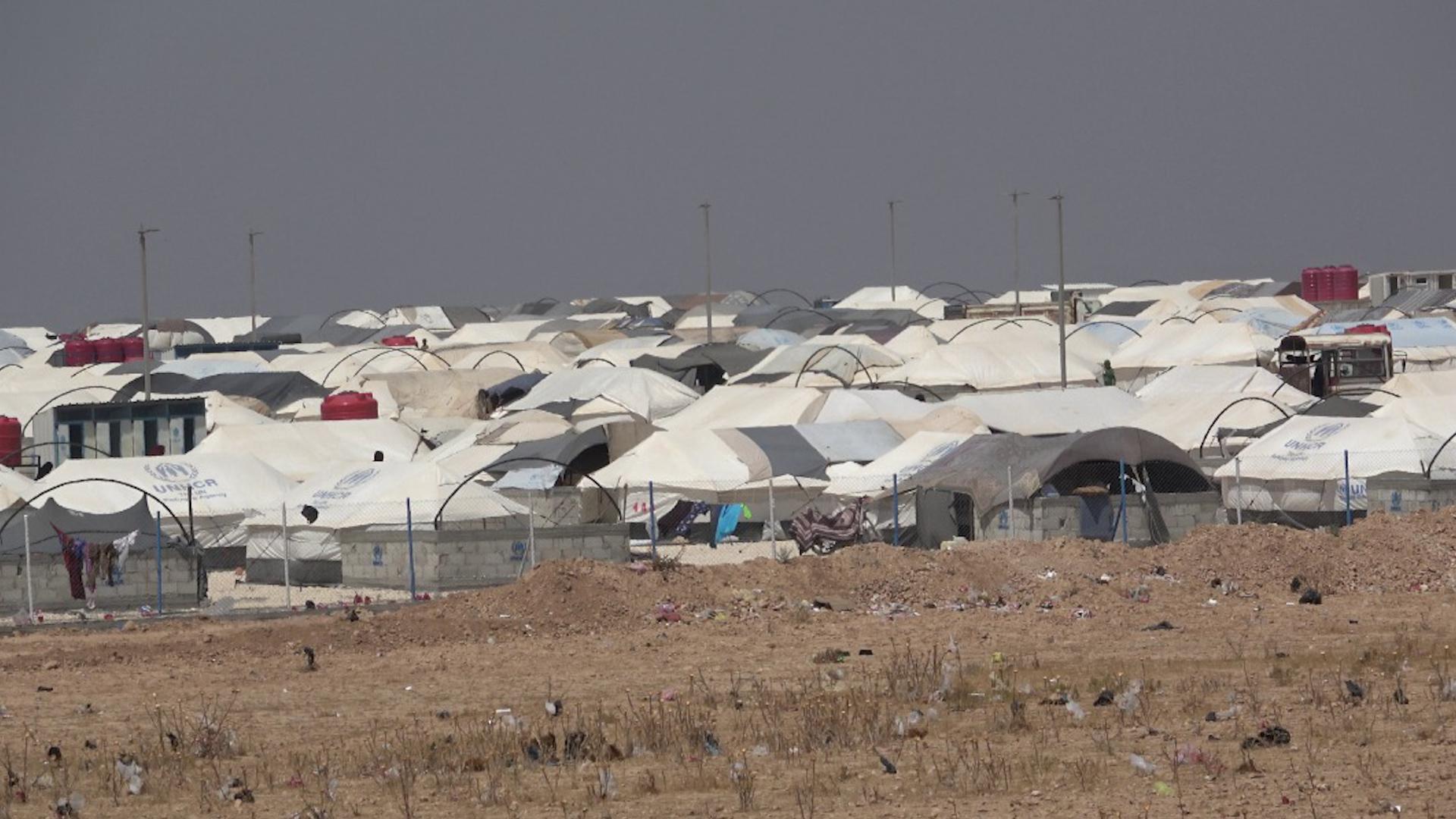 Photo of Koçberên li kampa Mehmûdliyê ji ber kêmbûna pêdiviyên jiyanî zehmetiyan dikşînin