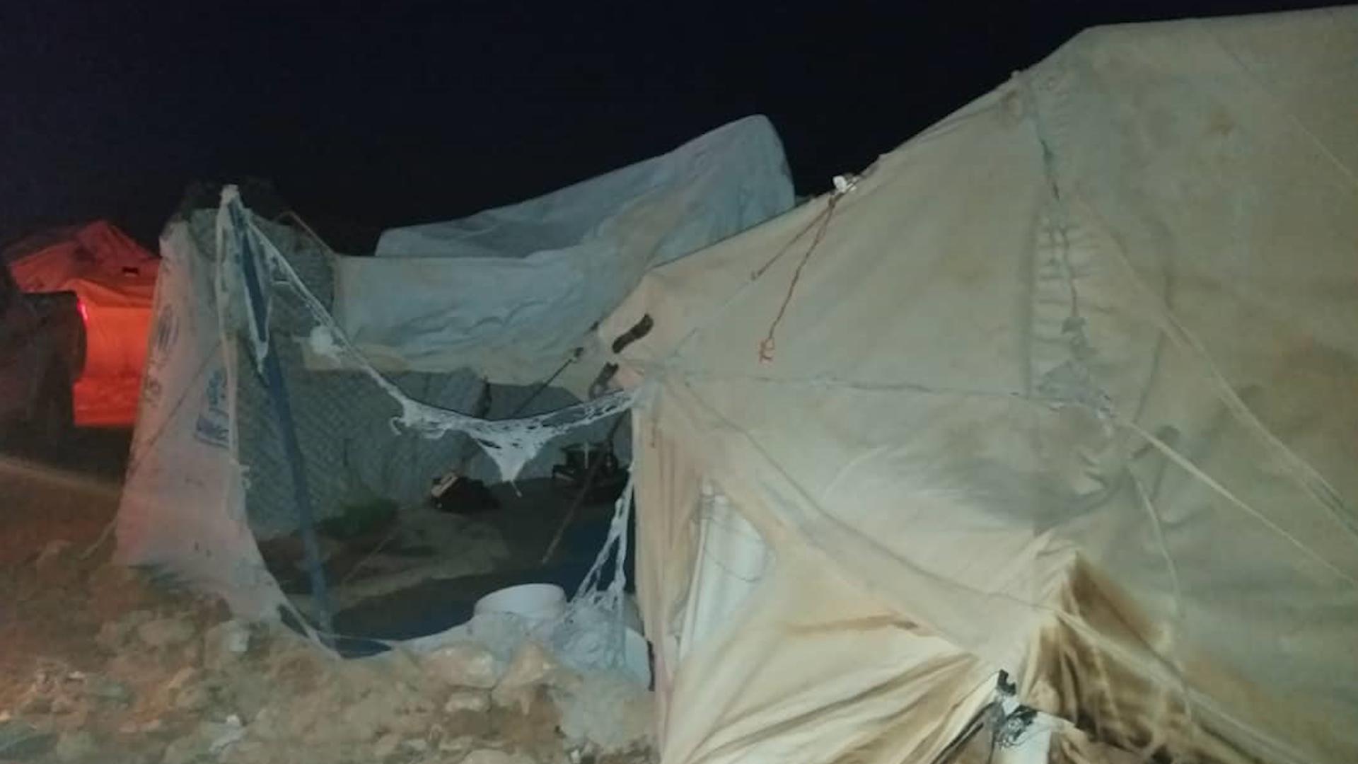Photo of Jinên DAIŞ'î li kampa Holê agir bi 4 konên kampê xistin