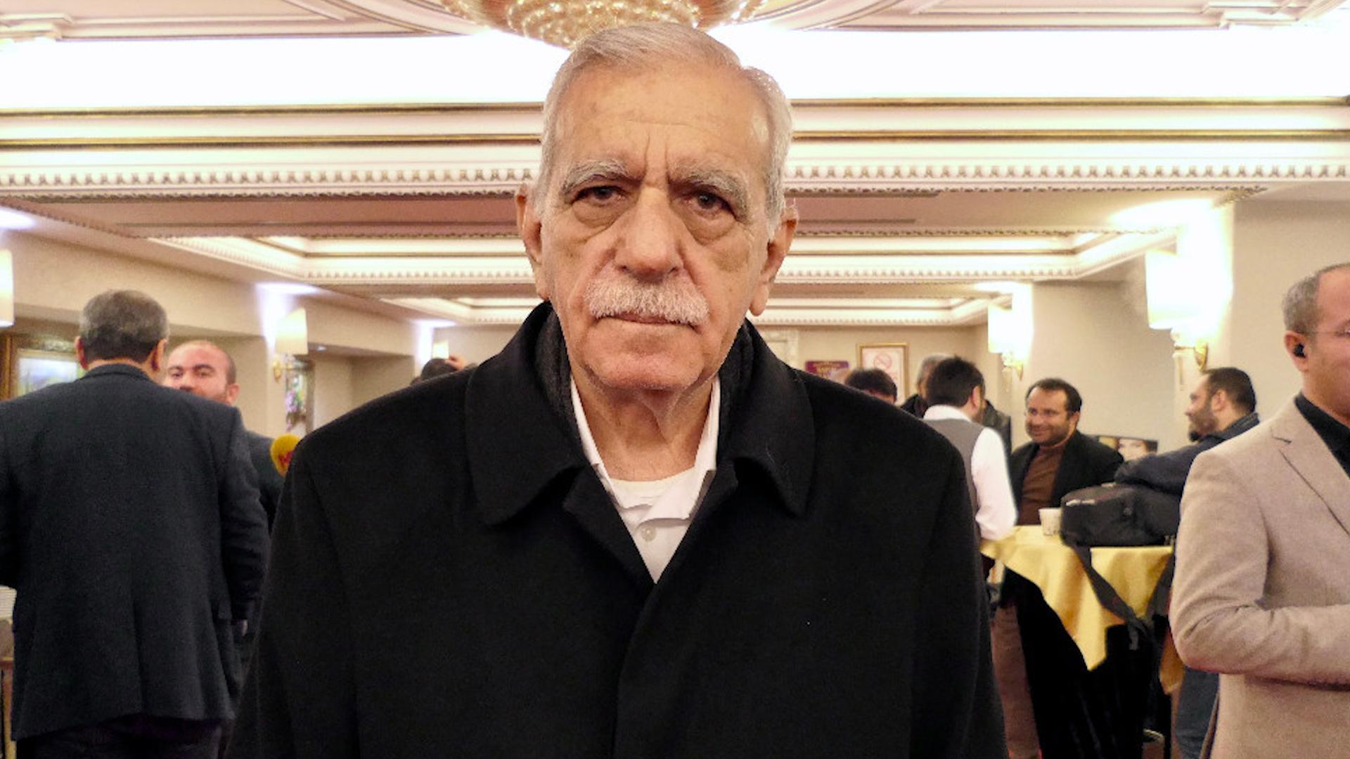 Photo of Ahmet Turk: Divê em hemû li dora nirxên neteweyî siyasetê bikin