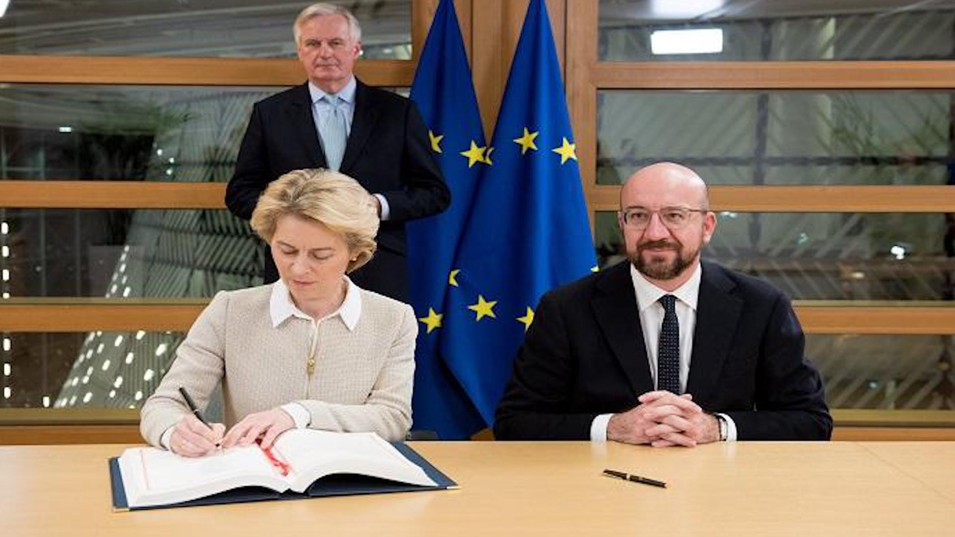 Photo of Lihevkirina Brexit a Brîtanyayê Komisyon û Meclisa Ewropî li ser lihevkirinê îmze kir