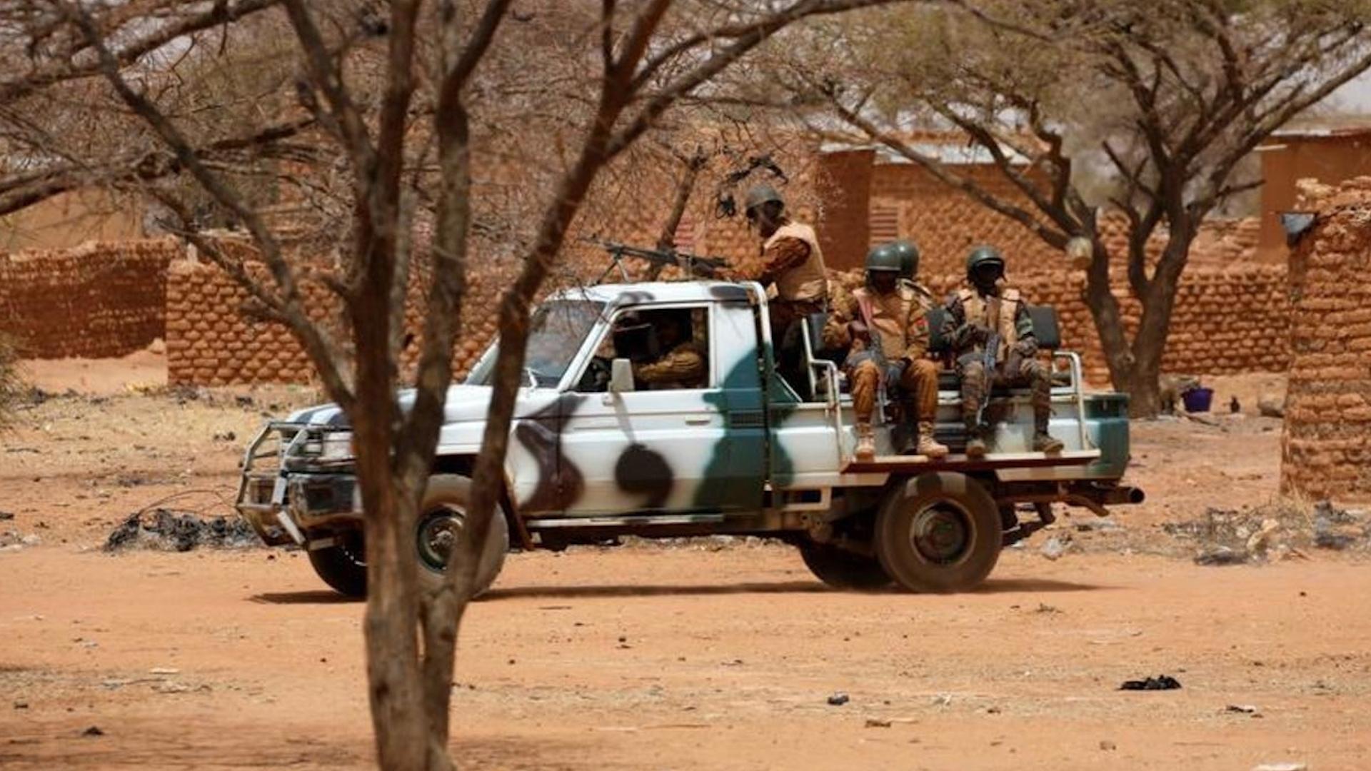 Photo of Li Borkîna Faso bombeyek bi erebeya leşkerî ve teqiya, 6 leşker hatin kuştin