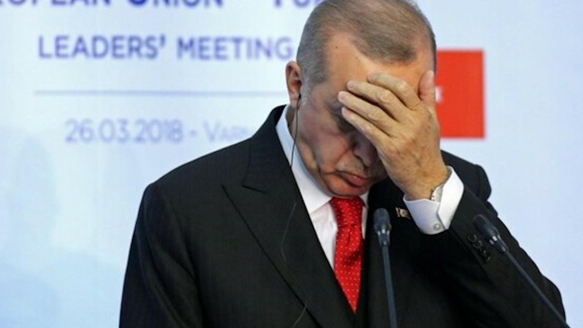 Photo of Erdogan şandina hêzên xwe vedişêre..NY jî qala cezakirina wî dike