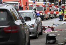 Photo of Li Elmanyayê êrîşkarekî bi wesayitê da nav karnavalê, 52 kes birîndar bûn