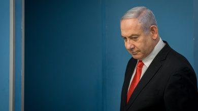 Photo of Bi tewana gendeliyê Netanyahu li pêşberî dadgehê ye