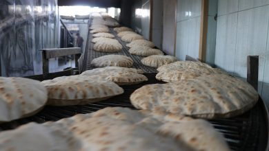 Photo of 12 Sale her remezam firneya El-Nesir nan bê pere li şêniyan belav dike