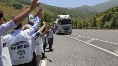 Photo of Bedlîsiyan meşvanên HDP'yî li ser rê pêşwazî kirin