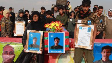 Photo of Şêniyên Reqayê bi merasîmekê şehîd Ebdulbasit El-Elî oxirkirin