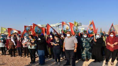 Photo of Meclisa Malbatên Şehîdana a Efrînê êrîşên Tirkî li ser gorên şehîdan şermezar kirin
