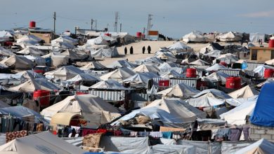 Photo of Li kampa Holê penaberekî Iraqî di bin konê xwe de, kuştî hat dîtin