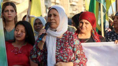 Photo of jinên li Helebê ji bo şeremzarkirina tecrîda li dijî Rêber Ocalan, meşiyan